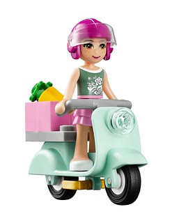 LEGO-Friends-Mias-Lemonade-Stand-Scooter-41027
