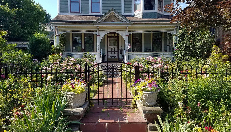 11 Garden Ideas to Steal from Buffalo, New York - Gardenista