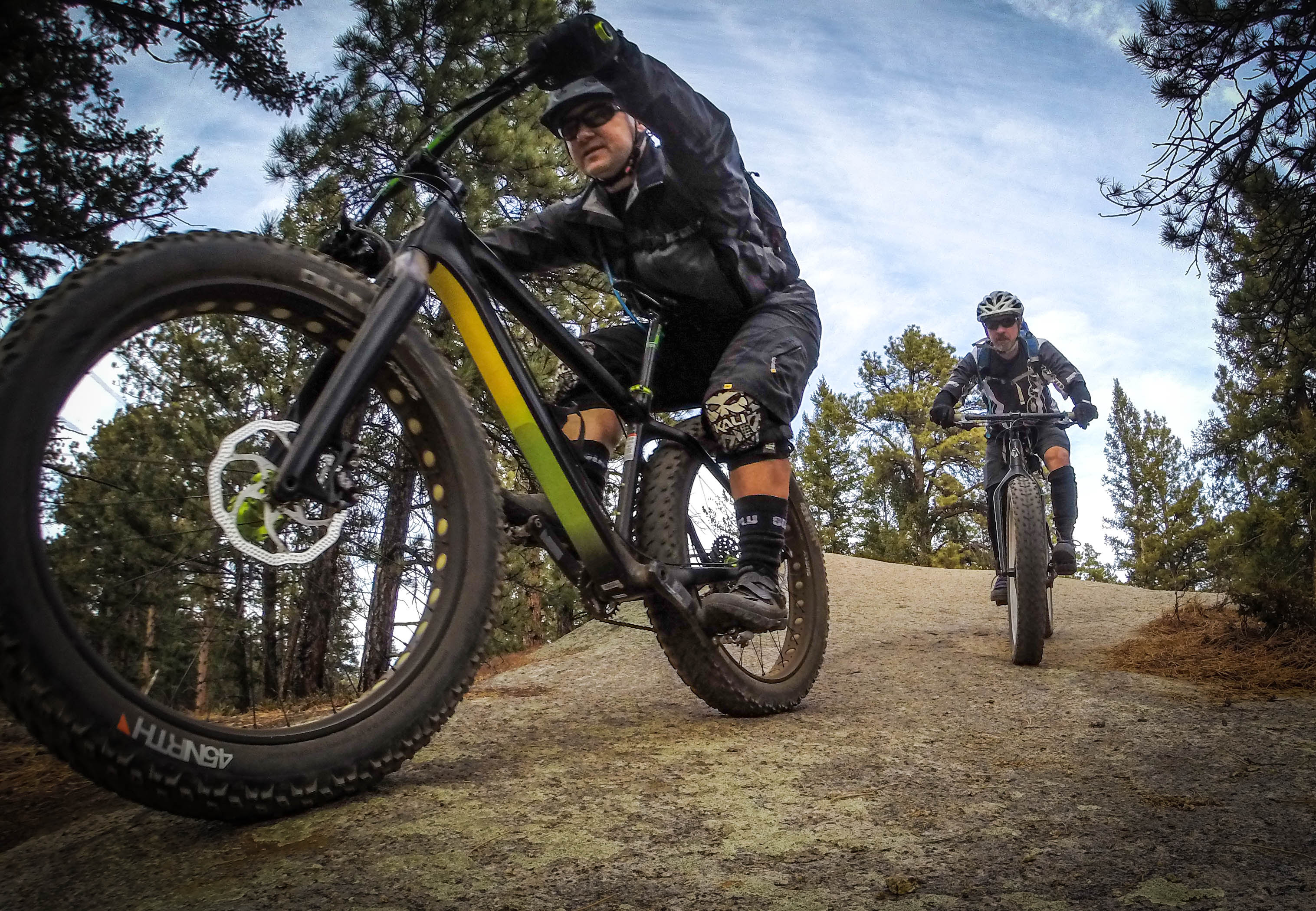 Breathable and flexible, the jacket is the perfect all around fatbike shell for use even on cool fall days