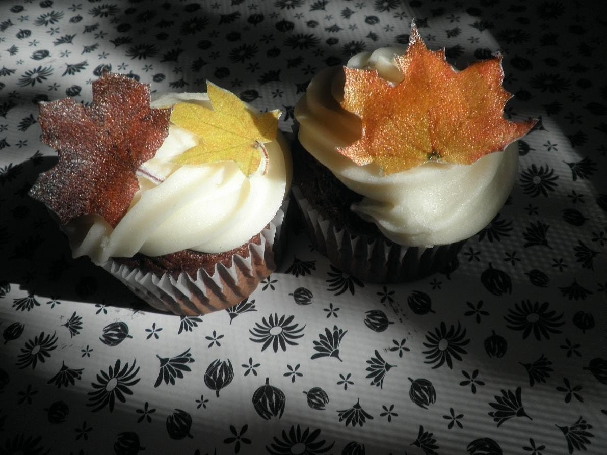 Edible Fall  Leaves - 1 dozen