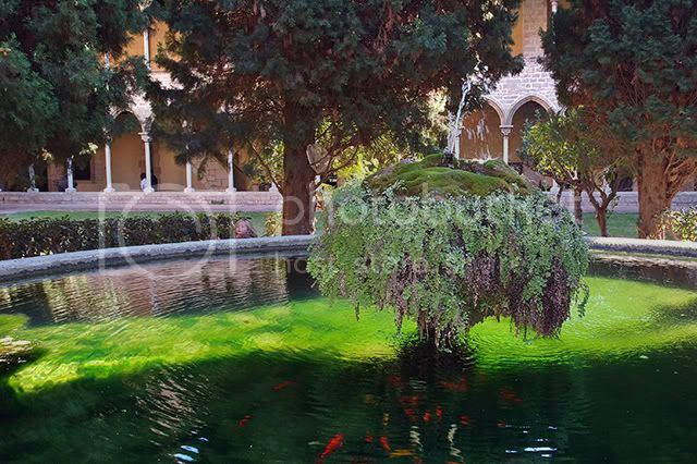 Fountain in Pedralbes Monastery, Barcelona, Spain [enlarge]