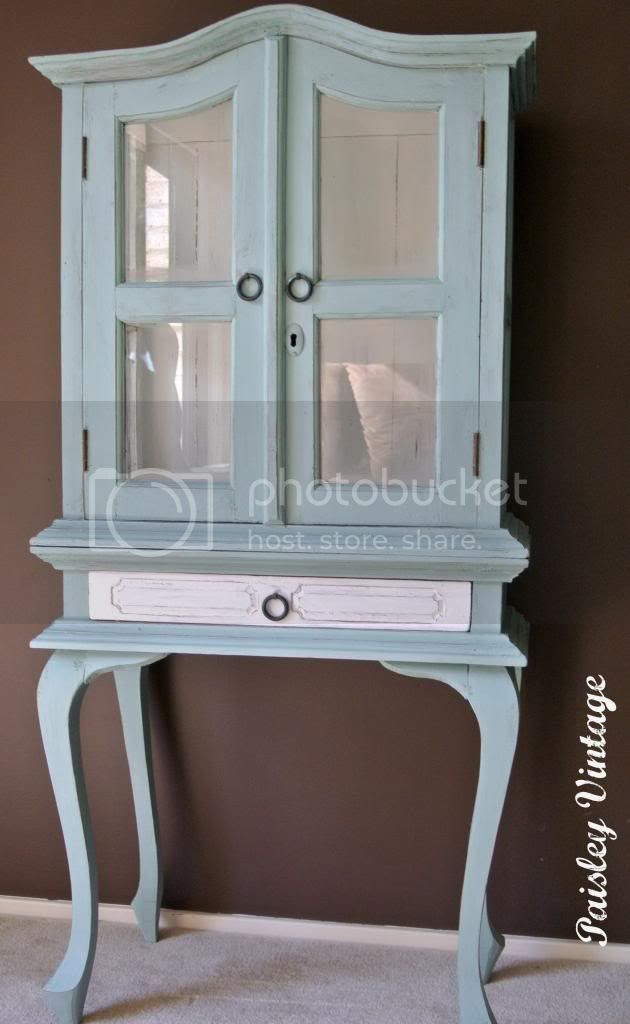 photo cabinet.jpg