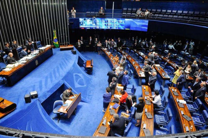Resultado de imagem para Senado aprova projeto que pune importunação e agrava crimes sexuais