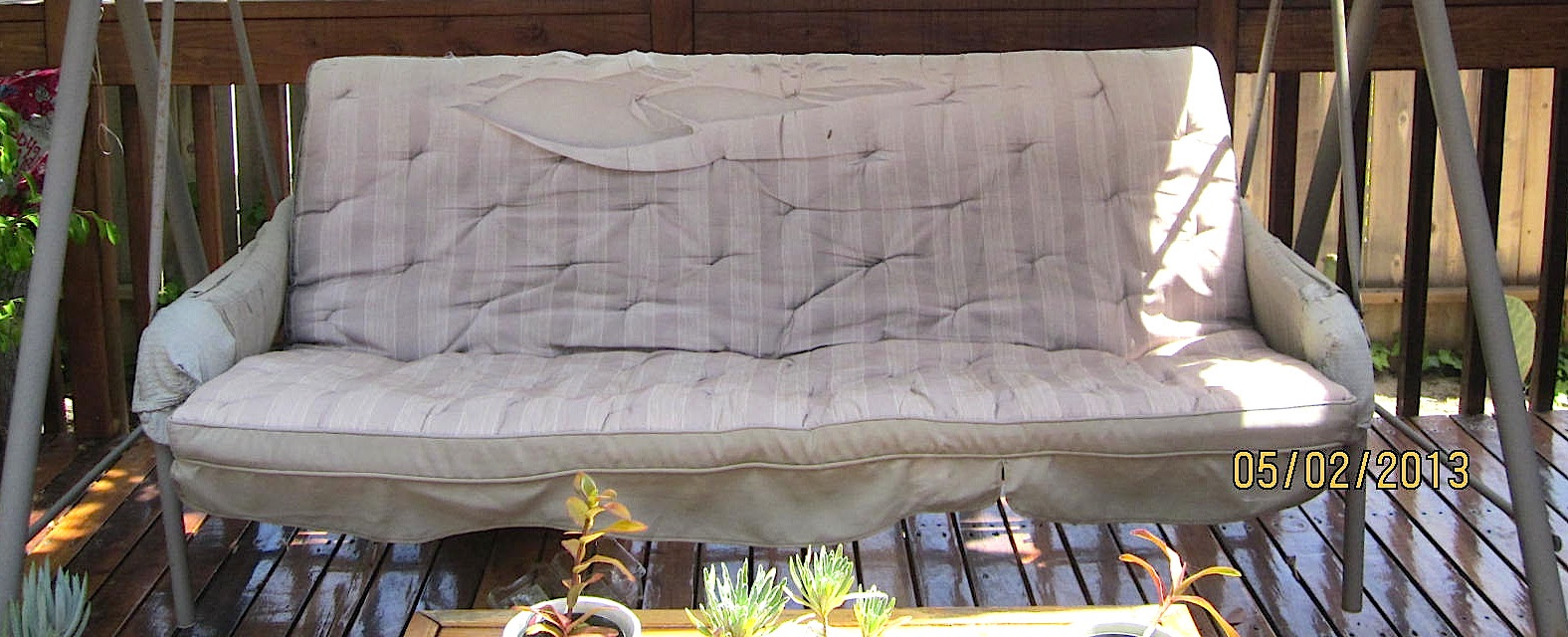 How to Recover a Torn Outdoor Swing Cushion |