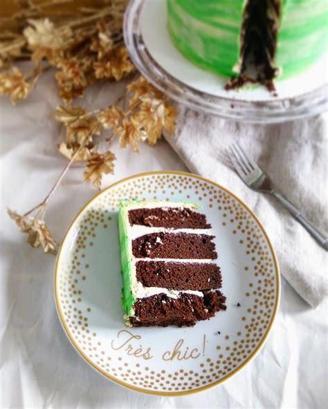 St Patrick?s Day Four Layered Chocolate Stout Cake