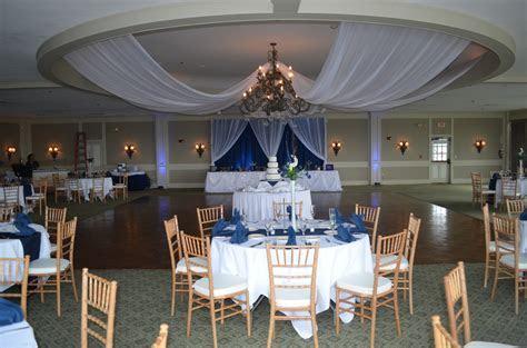 Navy Blue & White Buffalo Wedding Decor Ideas   Gala