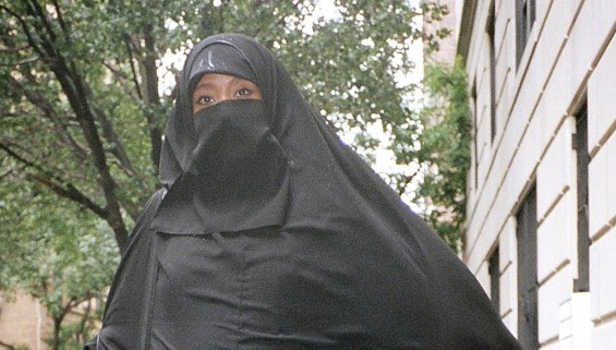 Penulis Fesyen Dikecam, Persenda Pakaian Wanita Islam! - Terbakor