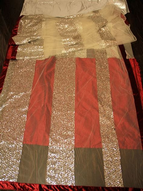 priyanka chopra maroon white gold saree ref
