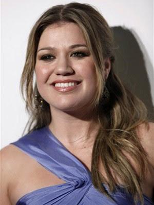 A vencedora do primeiro 'American idol' Kelly Clarkson (Foto: AP)