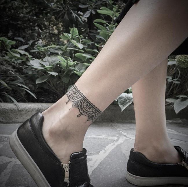 115 Best Ankle Bracelet Tattoo Designs Meanings 2019