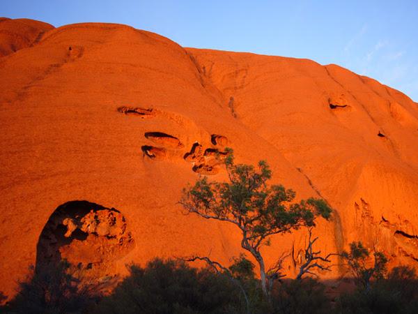 perierga.gr - Uluru: Ένα παράξενο μέρος...
