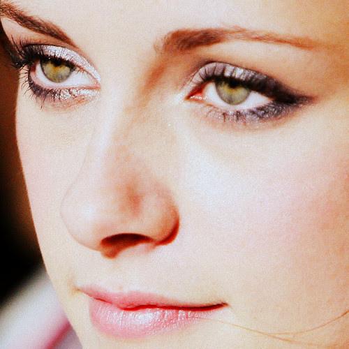 W-O-W♥ Her eyes♥