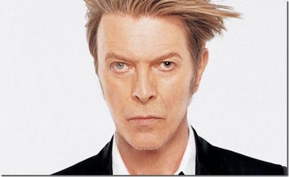 David Bowie thumb Pessoas famosas que acreditam em ET e OVNIs