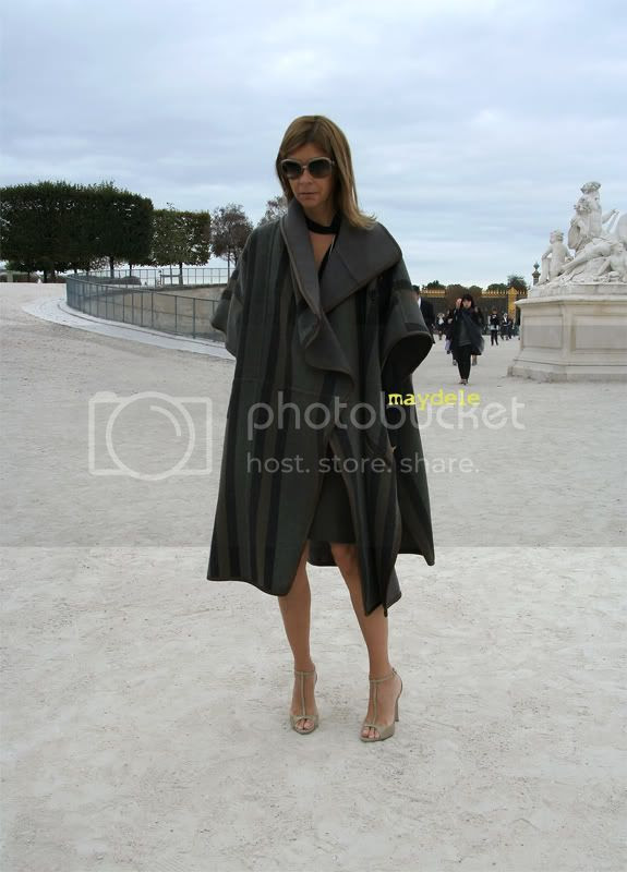 Carine Roitfeld wearing Chloé cape coat