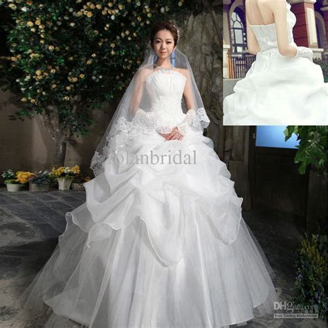 Vera Wang Wedding Dress Cost   biwmagazine.com