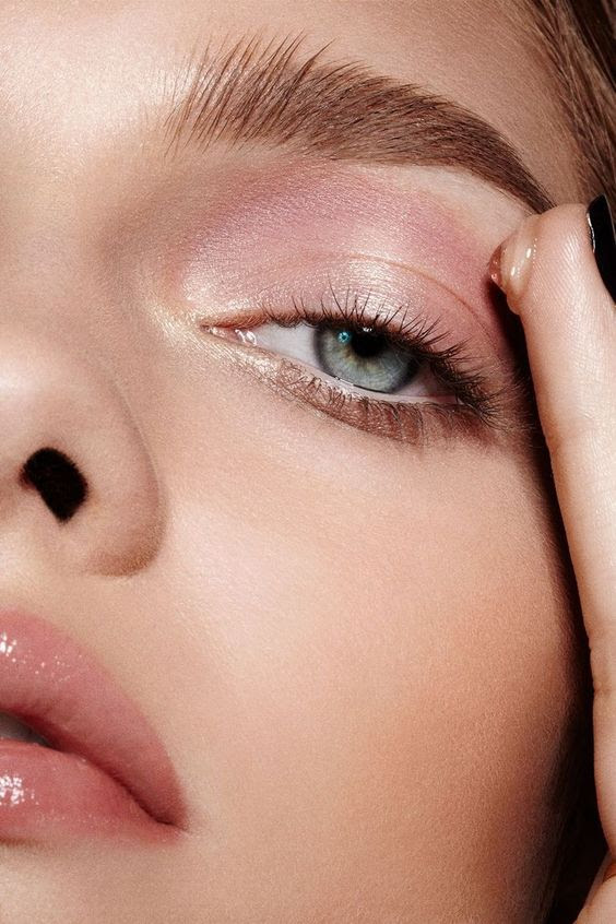 Best eye makeup and how to apply it