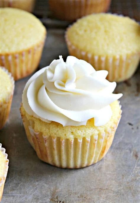 Buttercream Frosting   Beyond The Chicken Coop