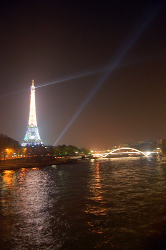 EiffelTowerNight2