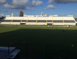 Estádio Frasqueirão - treino ABC (Foto: Carlos Arthur da Cruz/GloboEsporte.com)