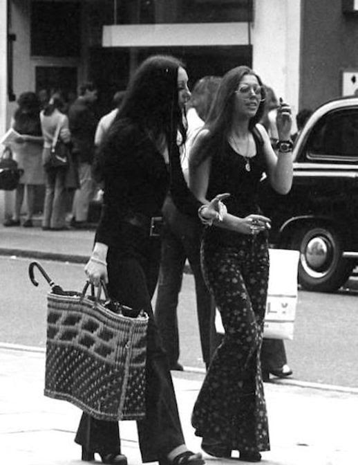Le Fashion 45 Incredible Street Style Shots From The 70s