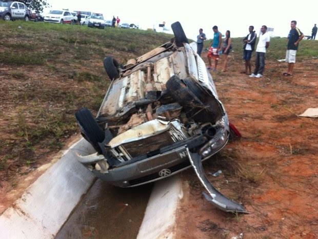 Acidente aconteceu na BR-101, próximo Monte Alegre, no RN (Foto: Soldado Frederico Ferreira/PM de Monte Alegre)