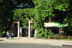 Entrance to the Brooklyn Botanic Garden