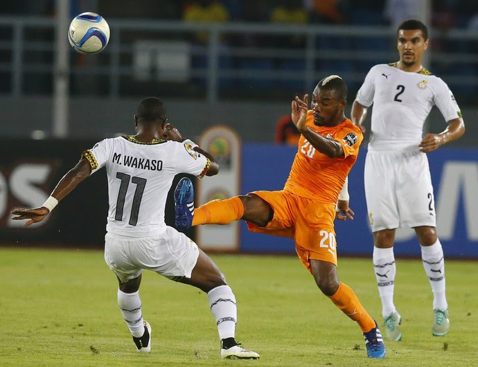 Die e Wakaso Costa do Marfim x Gana (Foto: Reuters)