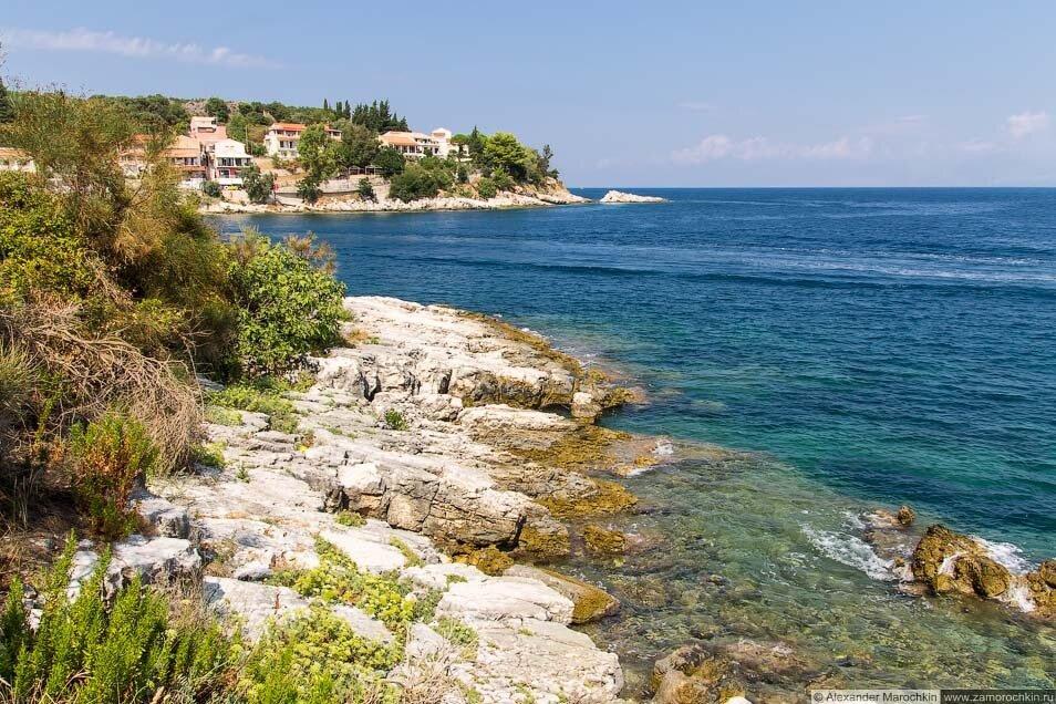 Скалистые берега в Кассиопи (Корфу)
