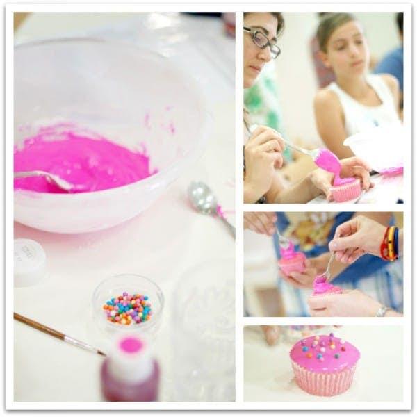 Decorando cupcakes con glaseado de icing sugar