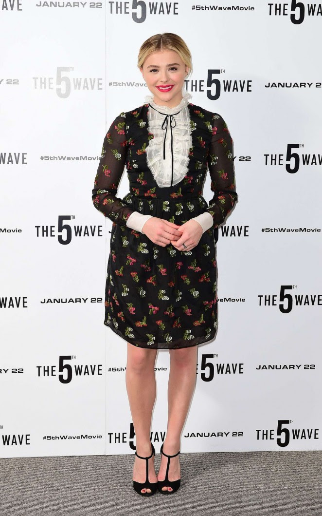 Chloe Moretz: The 5th Wave Photocall -06
