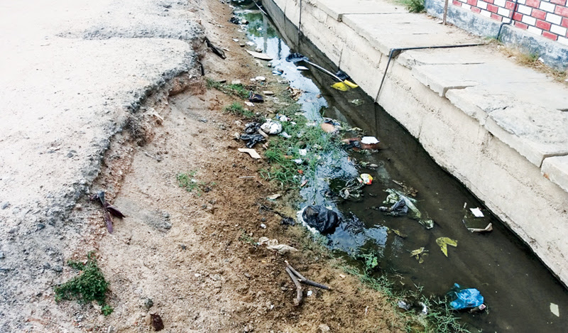 A stagnant canal in Ampara