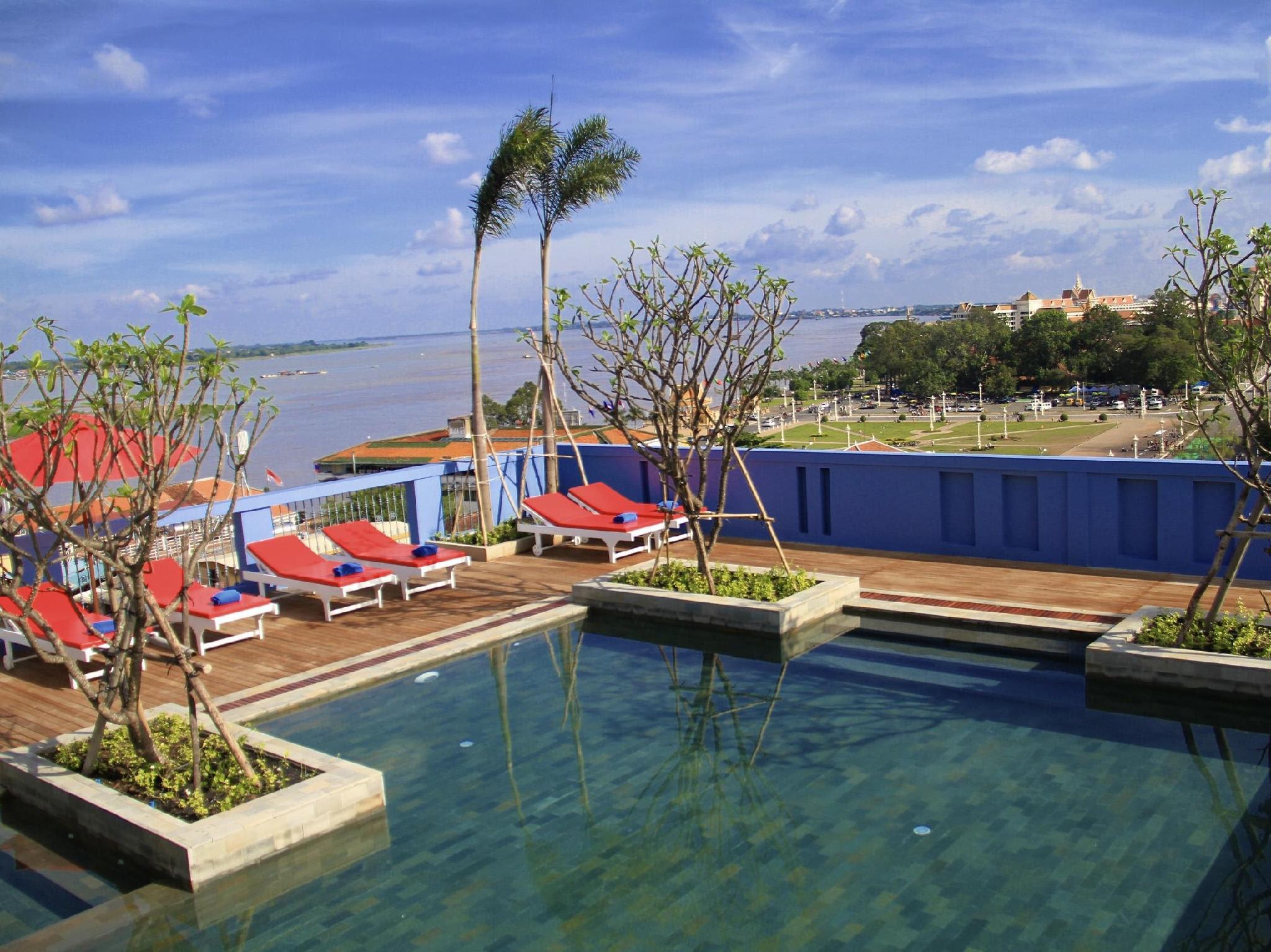 Frangipani Royal Palace Hotel Reviews