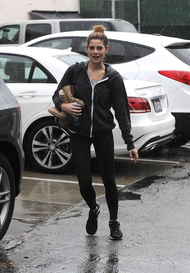 Ashley Greene: Leaving the gym -06