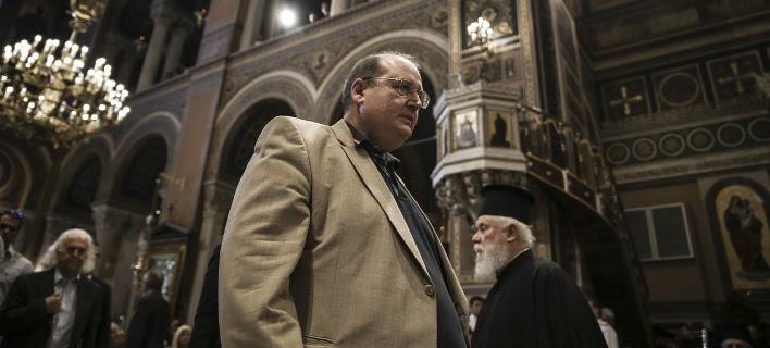 «Ημαρτον» είπε ο Φίλης: Βάζω στην άκρη το θέμα με το μάθημα των Θρησκευτικών