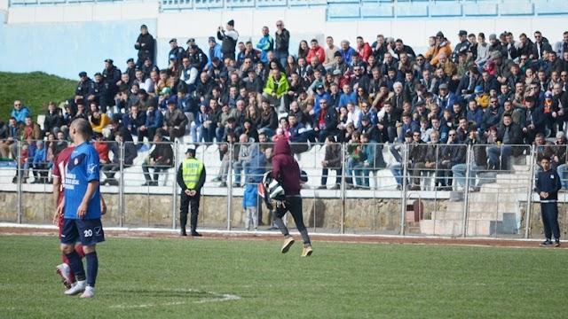 Cum s-au făcut de râs jandarmii la meciul Rapid Suceava - Rapid Bucureşti