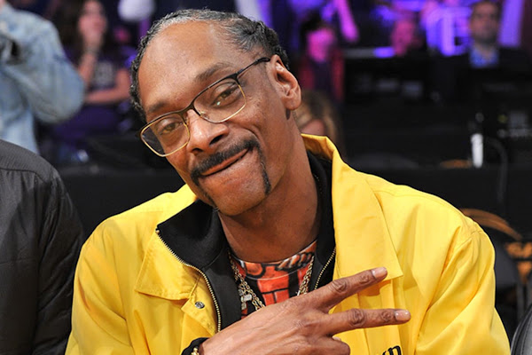 f0a18e91f98 Snoop Dogg Clowns Clippers by Calling Them Lakers' 'Little Brothers'