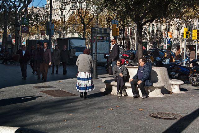 Romanian Gipsy Woman, Passeig de Gracia, Barcelona [enlarge]