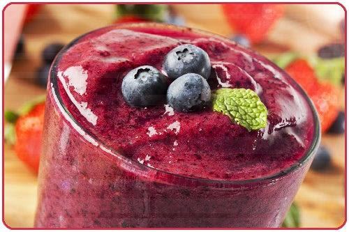 Aproveite as frutas vermelhas para realizar batidas, ou vitaminas, além de ficarem deliciosas te ajudarão a fortalecer sua saúde.