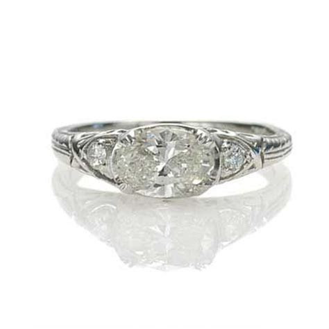 Love the east west oval diamond setting Leigh Jay Nacht
