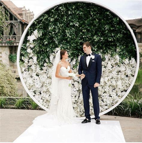 Wedding Ceremony Backdrops That Feel Fresh, Modern, and