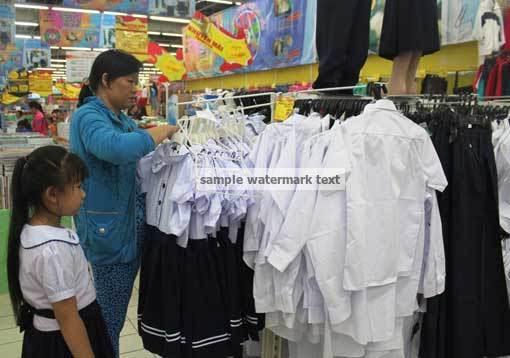 22 thg 8, 2014 - Ở các chợ như Xuân Khánh, An Bình…cũng bày bán khá nhiều đồng phục học sinh với giá khá mềm, như: bộ đầm học