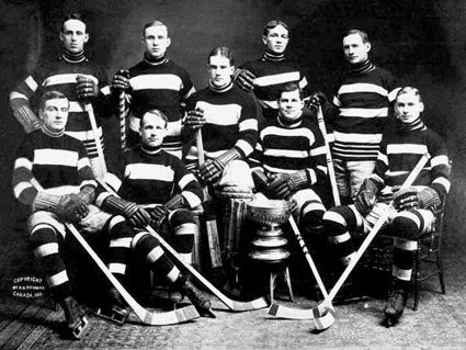 1911 Ottawa Senators Pictures, Images and Photos