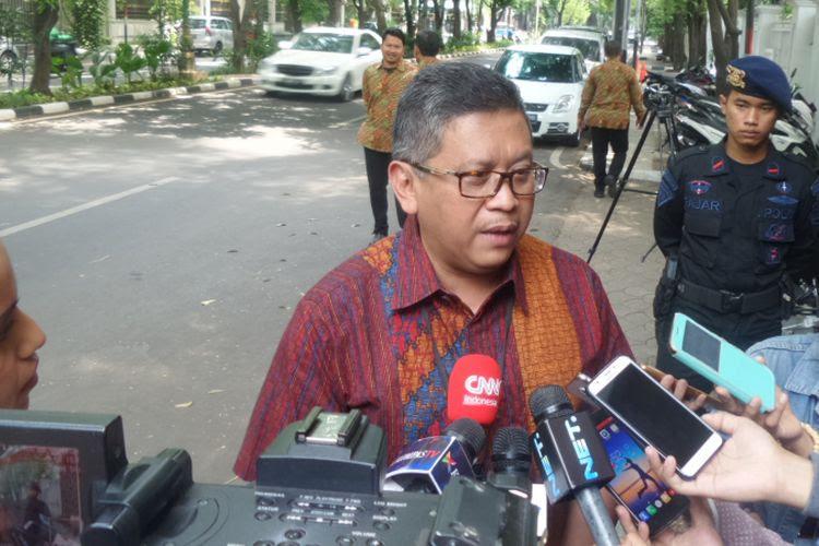 Sekjen PDI Perjuangan Hasto Kristianto di Jalan Teuku Umar, Jakarta, Sabtu (14/10/2017).