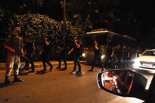 Mass arrests in Turkey after failed coup