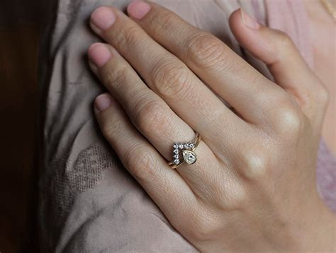 View Full Gallery of Awesome Pear Shaped Engagement Rings