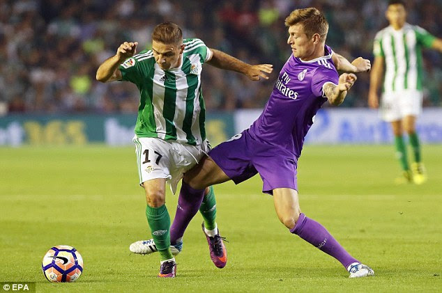 Sanchez finds himself losing out to Real's German midfielder Toni Kroos