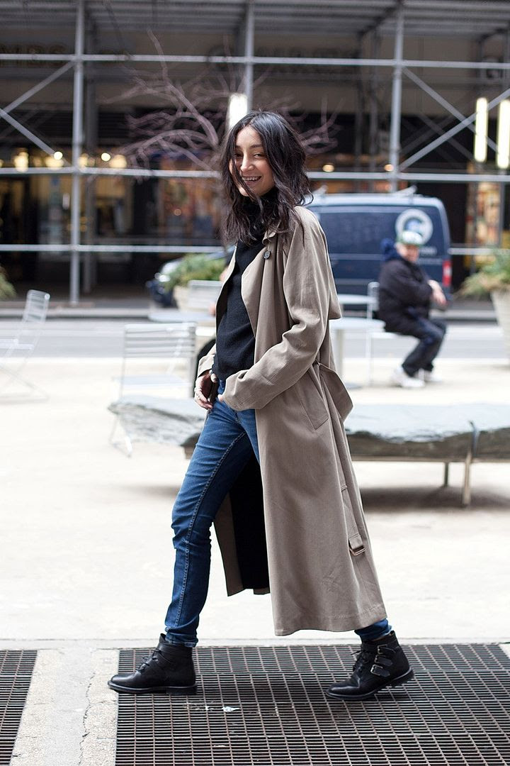 Le Fashion Blog -- Rainy Day Style Inspiration: Aziza Azim In A Long Trench Coat, Turtleneck Sweater, Skinny Jeans & Buckle Boots -- photo Le-Fashion-Blog-Rainy-Day-Style-Inspiration-Aziza-Azim-Long-Trench-Coat-Turtleneck-Skinny-Jeans-Buckle-Boots.jpg
