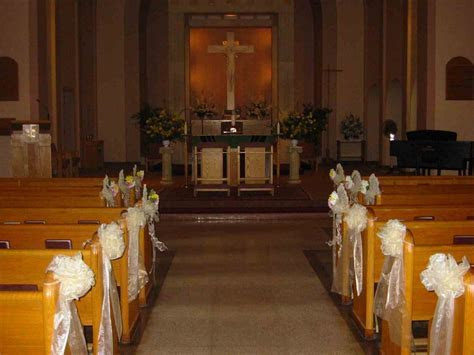 How to Decorate a Church for a Wedding?, 1600x1200 in 80KB