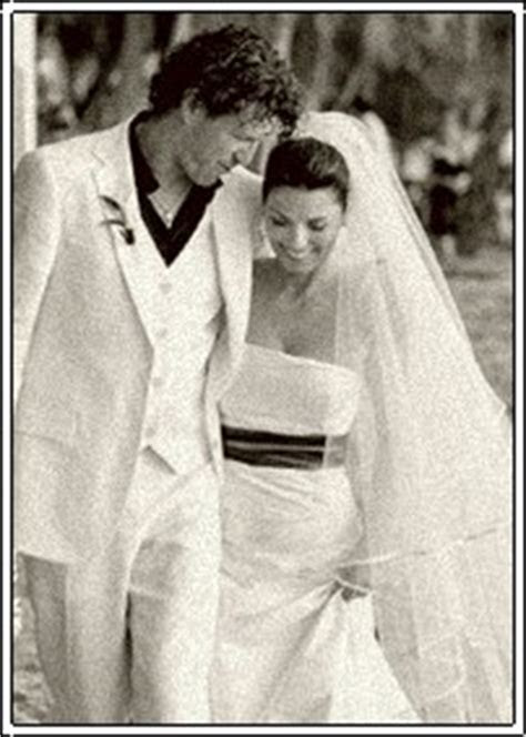 Celebrity Bride Shania Twain Thiebaud Wedding dress