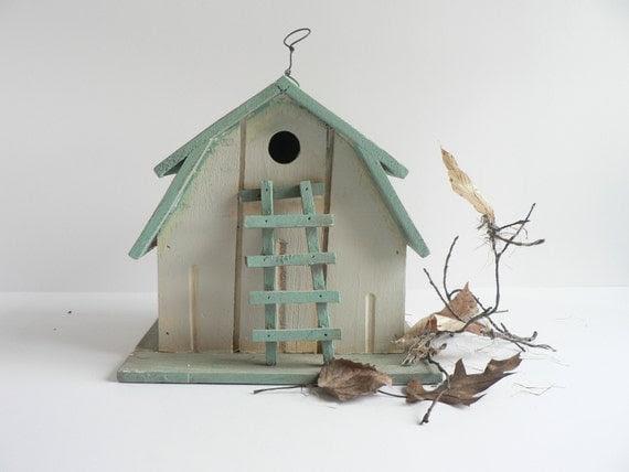 V I N T A G E   Shabby Turquoise Wood Bird House